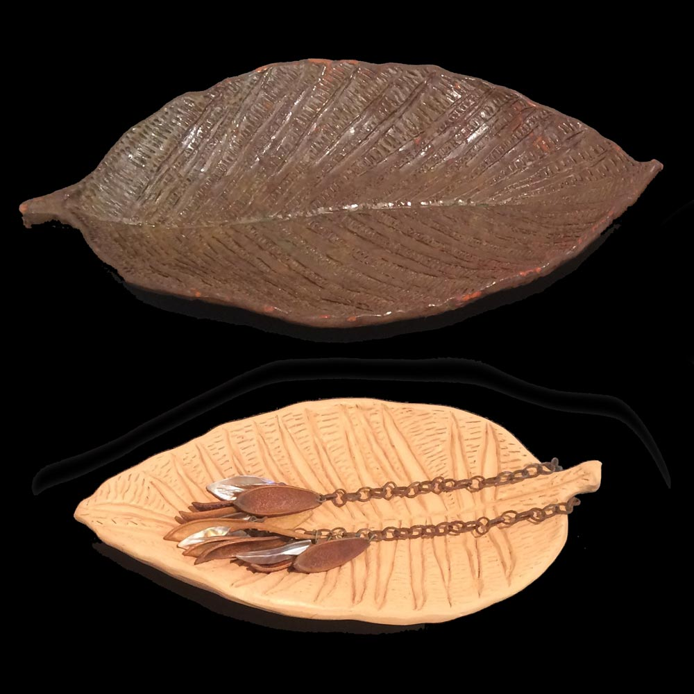 Pottery leafs in dark brown and light brown