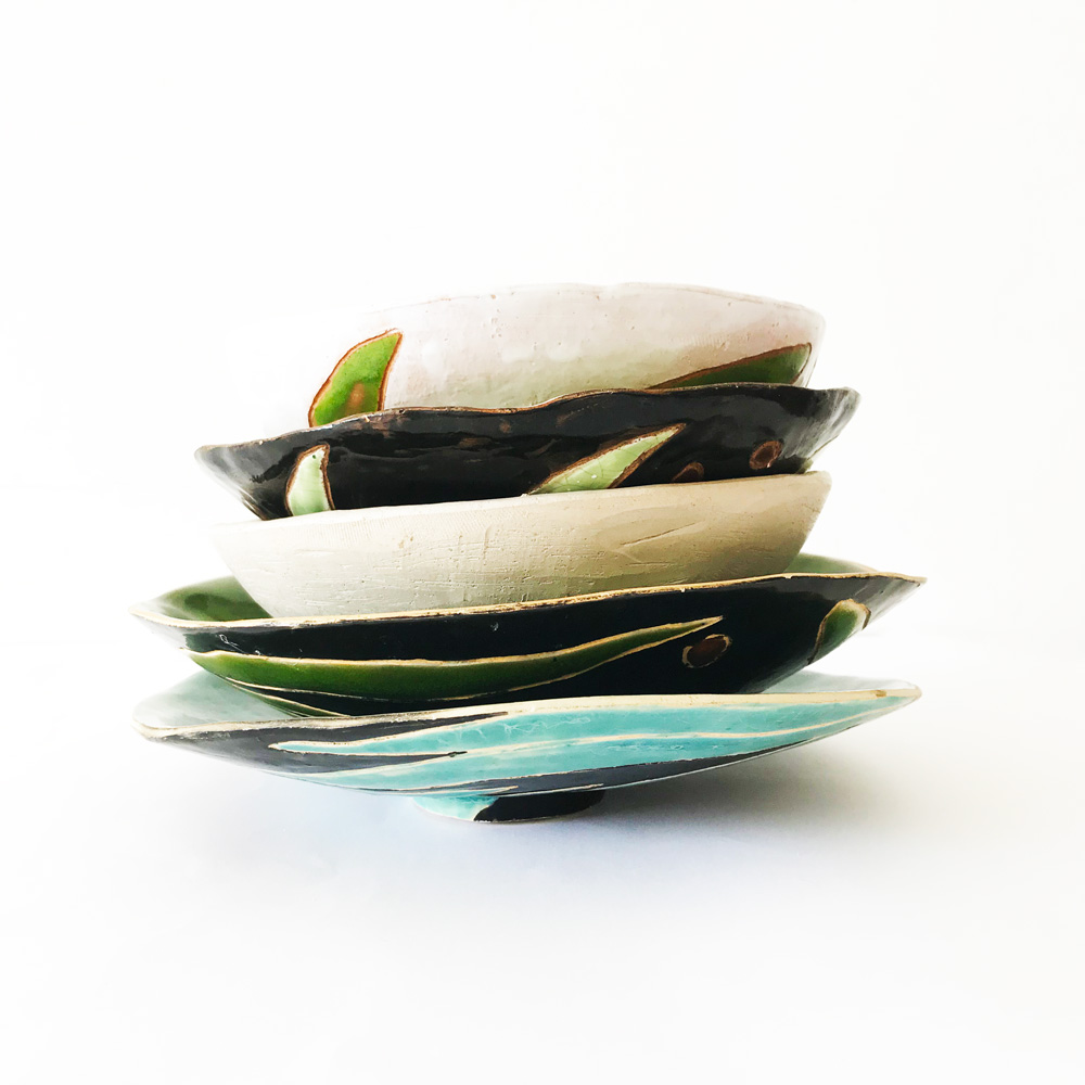 stack of diffrent ceramic boiwls